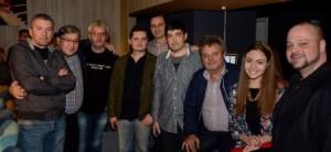 Regizorul V Lupascu cu echipa
